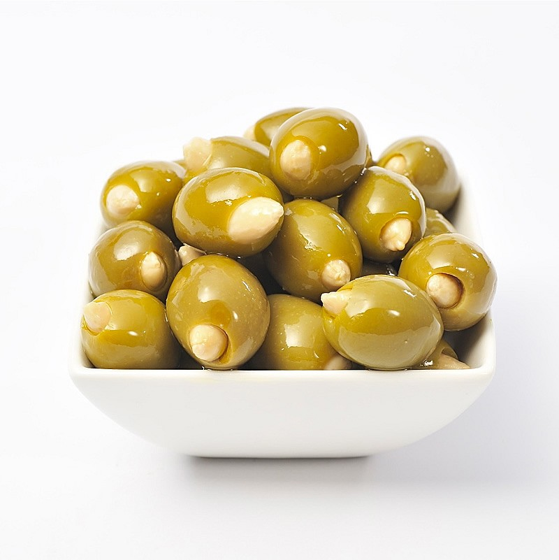 Almond Stuffed Colossal Olives in a blend of Sunflower Oil ... Almond Olie