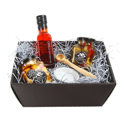 Chilli Lovers Hamper from Olives Direct
